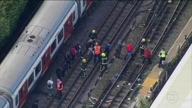Bomba caseira explode em metrô de Londres e deixa mais de 20 feridos - Explosão foi numa das linhas mais movimentadas e no horário do rush. Autoridades britânicas elevaram o nível de ameaça terrorista para crítico.