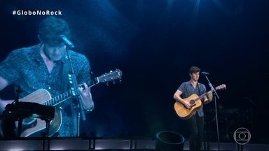 Shawn Mendes leva fãs a loucura com 'Holding Me back' - Shawn Mendes leva fãs a loucura com 'Holding Me back'.
