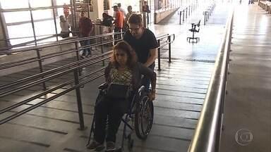 Semana de Trânsito conscientiza sobre riscos que deficientes correm no transporte público - Metrô e estações do Move têm problemas de acessibilidade em Belo Horizonte.