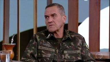 Eduardo Villas Bôas comenta caso do General Antonio Hamilton Mourão - General falou sobre a possibilidade, e mesmo a necessidade de uma intervenção militar