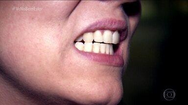 Bruxismo em vigília atinge pessoas que encostam os dentes sem necessidade de mastigação - O bruxismo em vigília, aquele que a pessoa faz quando está acordada, atinge 20% da população.