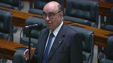 Relator da segunda denúncia contra Temer é definido - Uma tradicional figura da Câmara dos Deputados, Bonifácio de Andrada, mineiro do PSDB, será o relator na Comissão de Constituição e Justiça a denúncia da PGR contra o presidente.