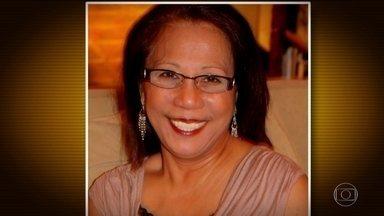 FBI vai ouvir namorada do atirador de Las Vegas - Marilou Danley estava nas Filipinas e desembarcou em Los Angeles na noite de terça-feira (3). Ela se apresentou voluntariamente para depor. As autoridades esperam que ela ajude a esclarecer os motivos do ataque.