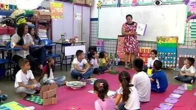 Toque de mestre: brincadeiras educativas - Professora usa materiais do dia a dia para criar jogos