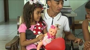 Três vítimas do incêndio da creche em MG têm alta nesta quinta-feira (12) - A tragédia na cidade de Janaúba, no norte de Minas, completou uma semana e os sobreviventes ganharam uma festa especial.