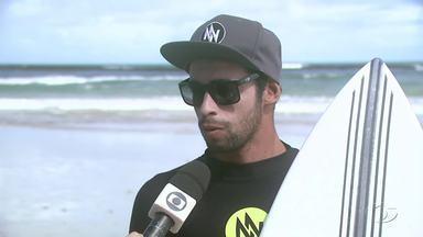 Atleta alagoano se prepara para enfrentar Mundial de Surf na Bahia - Surfista Profissional, Amando Tenório fala sobre seu calendário de competições para 2017.