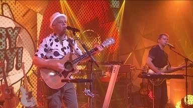 Lulu Santos canta 'Baila comigo' - Cantor lança disco em que interpreta grandes sucessos de Rita Lee.