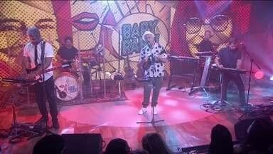 Lulu Santos canta 'Ovelha negra' - Cantor lança disco em que interpreta grandes sucessos de Rita Lee.
