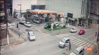 Morre mulher atropelada na faixa de pedestre em Itapema - Morre mulher atropelada na faixa de pedestre em Itapema