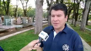 Famílias com cadastro desatualizado podem perder túmulos no cemitério de Maringá - No Cemitério Municipal quase 8 mil sepulturas estão com o cadastro defasado.