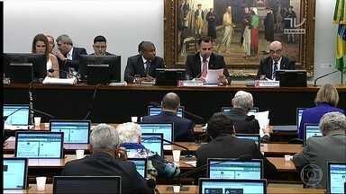 CCJ começa a discutir arquivamento da 2ª denúncia contra o presidente Temer - O presidente Michel Temer é acusado de obstrução de justiça e organização criminosa.