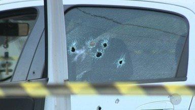 Homem é morto após troca de tiros com a Polícia Militar em Campinas - Suspeito de praticar vários roubos na cidade, homem foi identificado pela placa duplicada do carro em que estava.