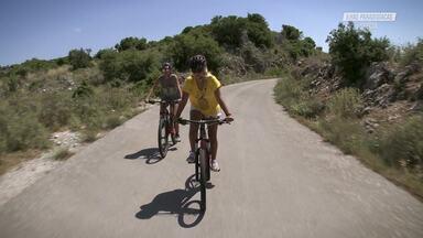 Cachoeira E Bicicleta Pelas Montanhas Gregas