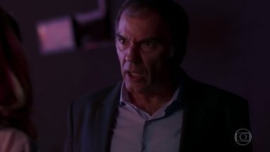 Eurico fica indignado com Nonato - Empresário abandona show e manda recado para o motorista