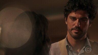 Inácio pede que Lucinda visite o empório - Ele quer notícias de Maria Vitória
