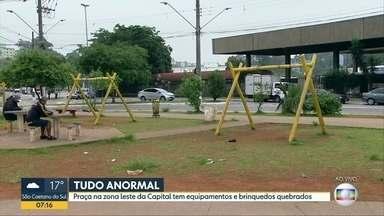 Brinquedos e equipamentos de praça na Zona Leste estão quebrados - Praça em Cidade Tiradentes está com bancos quebrados e as quadras de esporte precisam de manutenção.