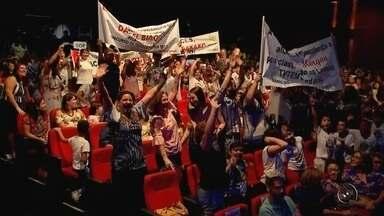 Concurso de redação de 2017 premia estudantes na região de Rio Preto - O Concurso de Redação organizado pela TV TEM apresentou na tarde desta terça-feira (24), em São José do Rio Preto (SP), os vencedores da edição deste ano. O evento foi no teatro do Sesi e reúne centenas de alunos e professores.
