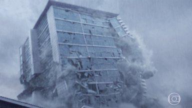 Falha Estrutural - Saulo precisa justificar atraso em obra. Temporal deixa falhas ainda mais evidentes. O prédio desaba. Começam os resgates.