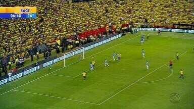 Grêmio vence Barcelona por 3 a 0 no Equador e encaminha vaga à final - Veja os gols.
