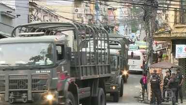 Operação integrada busca traficantes que invadiram a Rocinha no RJ - Quatro favelas do centro do Rio estão cercadas desde a madrugada por 2,5 mil homens da policie das Forças Armadas.