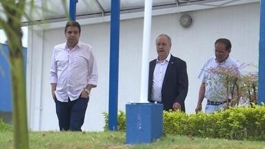Presidente eleito do Cruzeiro vai à Toca da Raposa para reuniões com atual diretoria - Presidente eleito do Cruzeiro vai à Toca da Raposa para reuniões com atual diretoria