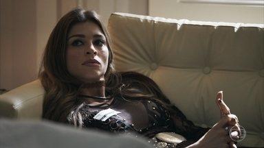 Lívia diz que Gael se acidentou por causa de Clara - A neta de Josafá chega ao hospital