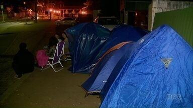 Tem fã dormindo na fila pra ver Green Day - O Show vai ser na capital do Estado.