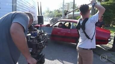 Confira os bastidores do acidente de Gael em 'O Outro Lado do Paraíso' - Personagem de Sérgio Guizé consegue a proeza de bater com o carro na saída de sua própria casa