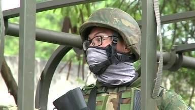 Bom Dia Rio - Edição de terça-feira, 07/11/2017 - As Forças Armadas fazem uma operação no Complexo do Salgueiro, em São Gonçalo. As polícias Militar, Federal e Rodoviária também participam da ação. E mais as notícias da manhã.