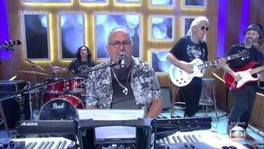 Guilherme Arantes canta 'Deixa Chover' - Cantor abre o encontro com clássico