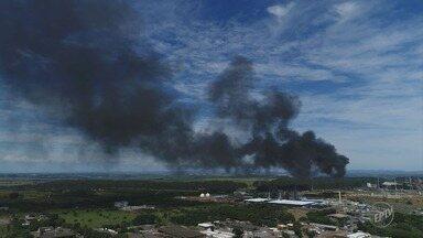 Cetesb autua Petrobras em R$ 1 milhão por em falha na refinaria de Paulínia - Órgão determina que Replan deve 'adotar providências para impedir a emissão de poluentes na atmosfera durante a partida das unidades produtivas.'