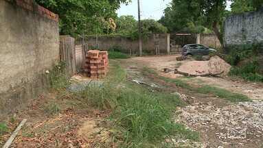 Esgoto de condomínio é despejado nas ruas de São José de Ribamar - Esgoto sem tratamento é despejado nas ruas do bairro Araçagi, em São José de Ribamar