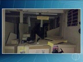 Criminosos explodem agência dos Correios em Padre Carvalho - Militares apreenderam sete explosivos e o Batalhão de Operações Especiais da Polícia Militar de Belo Horizonte foi chamado