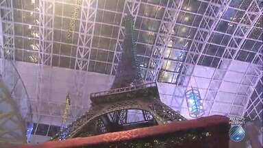 Charme e beleza de Paris inspiram decoração natalina de shopping da capital baiana - Capital da França é o tema do Natal do Salvador Shopping. Confira os detalhes.
