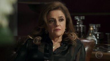Sophia ofende Gael - Ela manipula o filho para ele ficar contra Clara