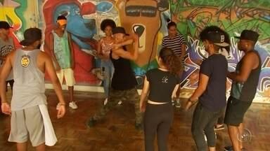 Semana do Hip-Hop 2017 começa neste sábado em Bauru - Mais uma edição da Semana do Hip-Hop será realizada a partir deste sábado (11) em Bauru (SP). O evento, que é realizado pela Casa do Hip-Hop e Secretaria Municipal de Cultura há sete anos na cidade, tem a promoção da TV TEM.
