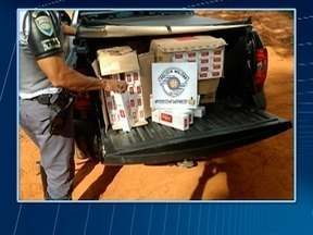 Polícia Rodoviária apreende carga de cigarros contrabandeados - Ocorrência foi registrada em Estrela do Norte.