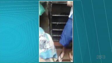 Polícia Civil abre inquérito após presos postarem vídeo mostrando superlotação em Cambé - A delegacia da cidade está superlotada e os presos do local conseguiram fazer um vídeo e postar na internet mostrando a situação. A polícia investiga como isso pode ter acontecido.