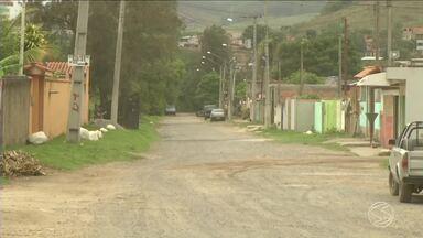 Prefeitura aumenta fiscalização para impedir construções irregulares em Itatiaia, RJ - Moradores do bairro Nova Conquista devem receber o título de posse nos terrenos. Desde 2010, a área está em processo de regularização.