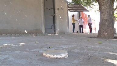Moradores de Três Lagoas, MS, reclamam da falta de esgoto - No leste do estado, os moradores da região estão sofrendo com a falta de esgoto.
