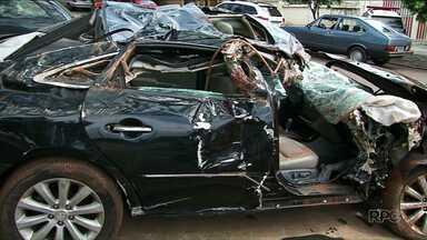Bandidos capotam carro durante tentativa de roubo em Cidade Gaúcha - Eles se feriram e foram presos momentos depois, em um matagal.