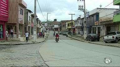 Moradores de Catende ainda enfrentam problemas causados pelas enchetes - Cheias atingiram a cidade em 2010 e em 2017