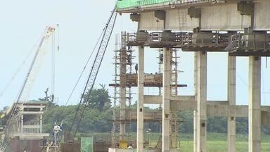 Representantes de Rondônia e Acre visitaram obras da ponte em Abunã - A ponte deve ser concluía em um ano.