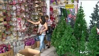 Lojas aumentam vendas para o Natal, em Linhares, ES - Data é a mais esperada para os comerciantes.