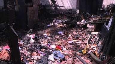 Bombeiros atuam em dois incêndios em Olinda - Em um deles, duas crianças ficaram feridas.