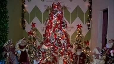 Além do comércio, moradores já enfeitam a própria casa com decoração natalina - Confira mais notícias em G1.Globo.com/CE