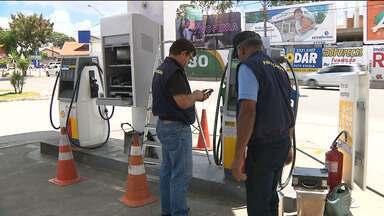 IMEQ fiscaliza postos de combustíveis na Paraíba - Ação aconteceu em Campina Grande