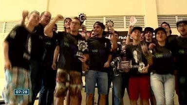 Ifes vence competição latinoamericana e brasileira de robótica - AS quatro equipes foram premiadas.