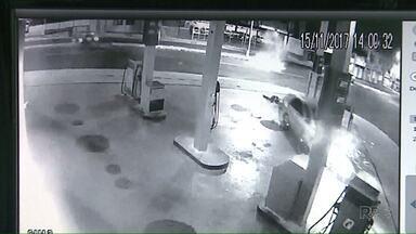 Ex-jogador do Operário é preso depois de provocar acidente em posto de combustíveis - Ele perdeu o controle do carro, invadiu um posto e arrancou uma bomba de combustíveis. Ele estava embriagado