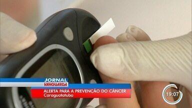 Todo ano, cerca de 8 mil pessoas são diagnosticadas com câncer no litoral norte - Turistas e moradores aproveitaram o feriado em Caraguá para entender um pouco mais sobre os tipos de câncer.